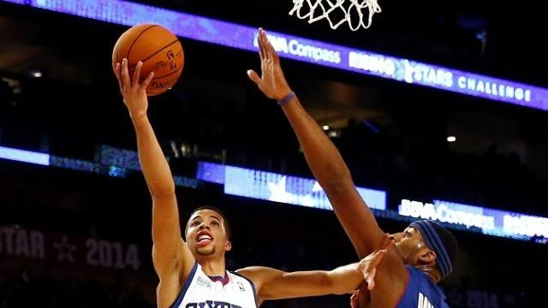 Carter-Williams als bester NBA-Neuling gewählt. Michael Carter-Williams (l) ist NBA-Rookie of the Year.