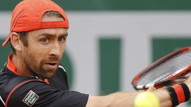 Beck und Becker in Paris raus. Benjamin Becker war dem Brasilianer Thomaz Bellucci unterlegen.