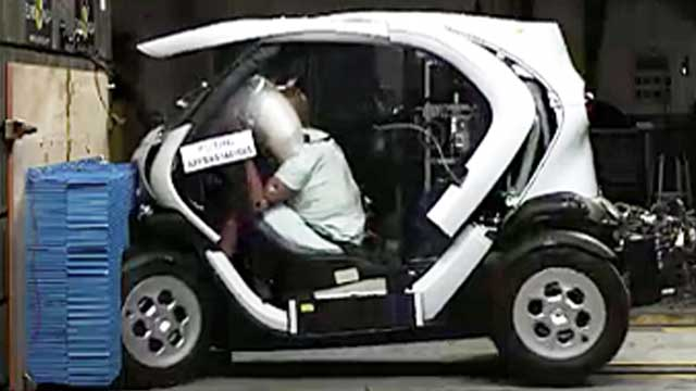 crashtest renault twizy co mit katastrophalen ergebnissen. Black Bedroom Furniture Sets. Home Design Ideas
