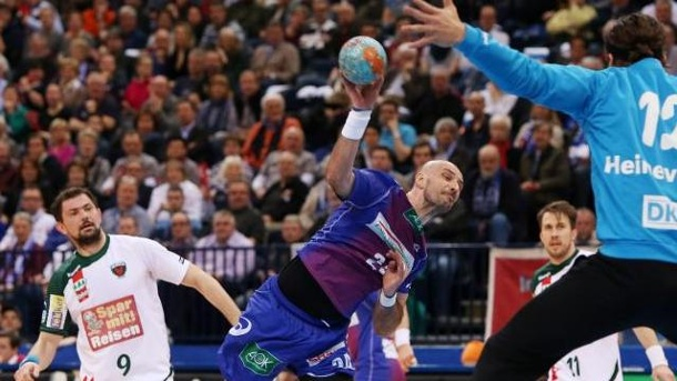 Dominikovic bleibt beim Handball-Bundesligisten Hamburg. Davor Dominikovic (M.