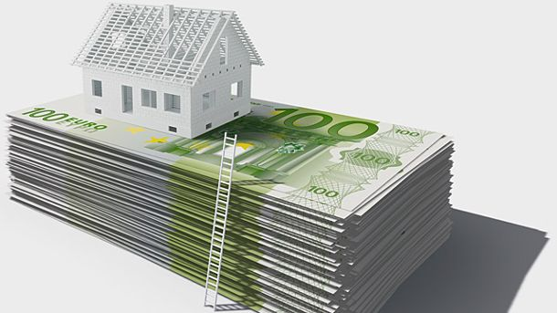 Niedrige Zinsen locken viele Immobilienkäufer (Quelle: Thinkstock by Getty-Images)