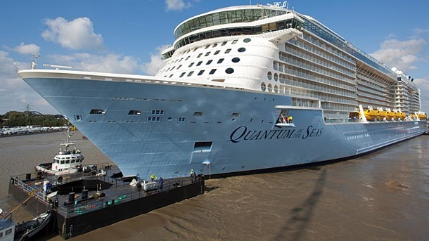 "Größtes Schiff aus Deutschland: Die ""Quantum of the Seas"" muss zurück ins Dock. ""Quantum of the Seas"" muss zurück ins Dock (Quelle: Meyer Werft/ M. Wessels)"