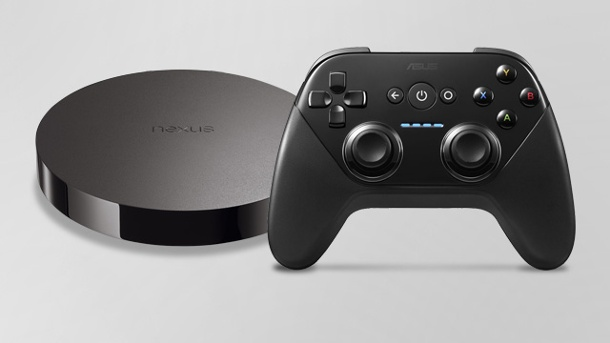 Google Nexus Player: Der spiele-taugliche Android-Puck. Google Nexus Player mit Spielcontroller (Quelle: Google)