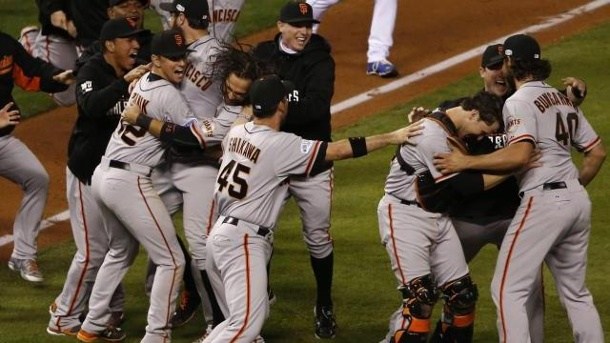 San Francisco Giants triumphieren erneut in MLB-World-Series . Sieg! Die San Francisco Giants triumphierten in der World Series der MLB.