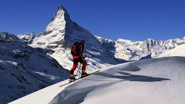 "Publikumspreis: Die beliebtesten Skigebiete der Alpen. Zermatt gewinnt in der Umfrage zu den ""Best Ski Resorts"" unter 48.000 Wintersportlern (Quelle: Thinkstock by Getty-Images)"