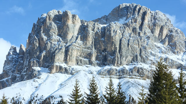Verschneite Dolomiten (Quelle: Thinkstock by Getty-Images)