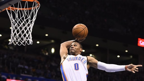 NBA-Star Russell Westbrook wie einst Michael Jordan. Russell Westbrook vom NBA-Club Oklahoma City Thunder schaffte das vierte Triple-Double in Serie.