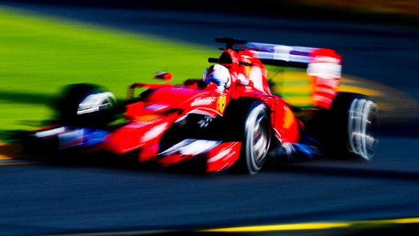 3. Formel-1-Training in Australien: Vettel sprengt Mercedes-Duo. Sebastian Vettel überzeugt in den Trainings von Melbourne. (Quelle: dpa)