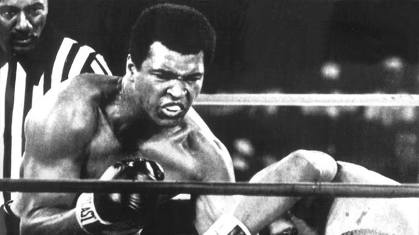 "Boxen: ""Rumble in the Jungle"" oder ""Thrilla in Manila"". Muhammad Ali (l) holt sich mit einem K."