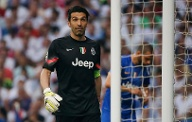 Juves Torwartlegende Gianluigi Buffon schaut nach dem 1:0 durch Real ungläubig. (Quelle: Reuters)