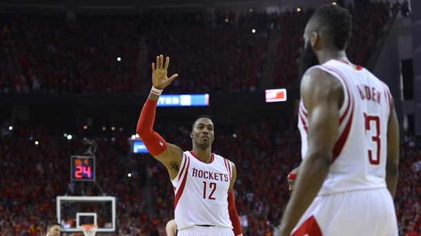 NBA-Playoffs 2015: Houston Rockets sind letzter Halbfinalist. Dwight Howard (M.