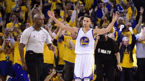 NBA-Playoffs 2015: Golden State Warriors gewinnt Spiel eins. Stephen Curry (M.