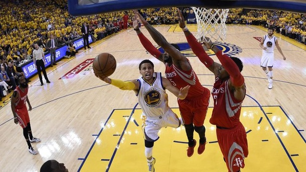 Basketball: Golden State Warriors nach 40 Jahren wieder im NBA-Finale. Stephen Curry ist auch in den Playoffs gegen Houston einfach nicht zu stoppen gewesen.