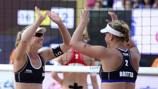 Beach-Volleyball: Beach-Ladies wecken WM-Wünsche. Karla Borger (l) und Britta Büthe in Aktion.