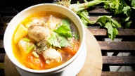 Hühnersuppe  (Quelle: Thinkstock by Getty-Images)