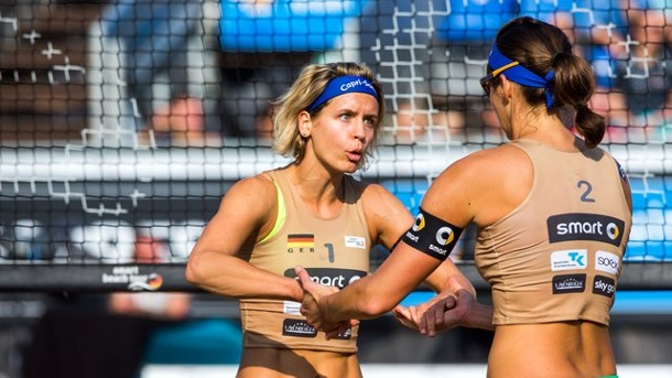 Beach-Volleyball: Beach-Duo Ludwig/Walkenhorst krönt goldenes Jahr. Laura Ludwig (l) und Kira Walkenhorst siegten beim Welttour-Turnier in Mexiko.