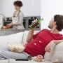 Beziehungskiller Couch Potato  (Quelle: Thinkstock by Getty-Images)