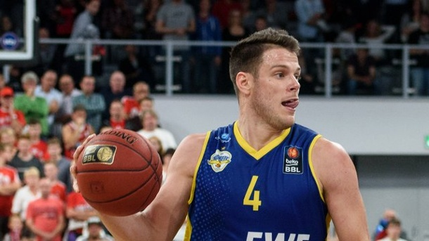 Basketball - Oldenburg besiegt Bonn im Eurocup-Duell mit 77:70. Chris Kramer scorte 14 Punkte für die Oldenburger.