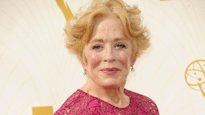 """Two And A Half Men"": Holland Taylor führt lesbische Beziehung"