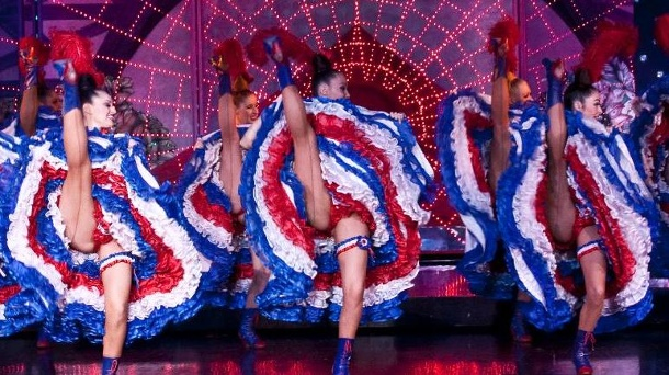 Die besten Revueshows weltweit - vom Moulin Rouge in Paris bis Las Vegas. Das Revuetheater Moulin Rouge gehört zu den Highlights in Paris. (Quelle: SRT /J. Habas)