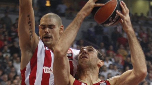 Basketball - In Belgrad zum Top-Center: Zirbes will Bayern ärgern. Maik Zirbes (l) reifte in Belgrad zu einem Top-Center in Europa.