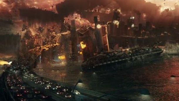 In 'Independence Day 2' kracht es gewaltig. (Quelle: Screenshot)
