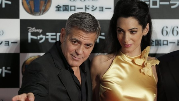 leute george clooney hat wenig stress mit dem outfit. Black Bedroom Furniture Sets. Home Design Ideas