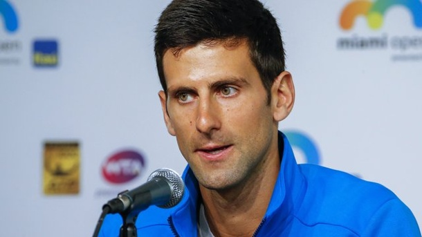 Novak Djokovic trifft sich mit Billie Jean King und Chris Evert. Novak Djokovic traf die einstigen Damentennis-Stars Billie Jean King und Chris Evert.