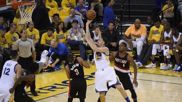NBA-Playoffs 2016: Toronto wirft Indiana raus - Warriors siegen. Klay Thompson (M.
