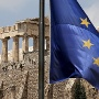A European Union flag flutters before the temple of Parthenon at the Acropolis hill in Athens (Quelle: Reuters)