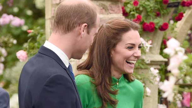 Kosenamen ausgeplappert: So liebevoll nennt Kate ihren William. The Duke and Duchess of Cambridge and Prince Harry at the Chelsea Flower Show in London.Kate und William bei der Chelsea Flower-Show in London. (Quelle: WENN)