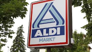 Unter den Erben des Aldi-Nord-Gründers tobt ein heftiger Streit, der aldi-untypisch zunehmend auch in der Öffentlichkeit ausgetragen wird.