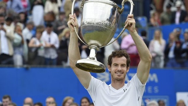 Tennis: Murray gewinnt Turnier in Queens zum fünften Mal. Andy Murray hat das Turnier im Londoner Queens Club gewonnen.