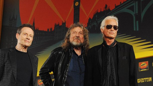 Led Zeppelin (l-r): Bassist John Paul Jones, Sänger Robert Plant und Gitarrist Jimmy Page. (Quelle: dpa)