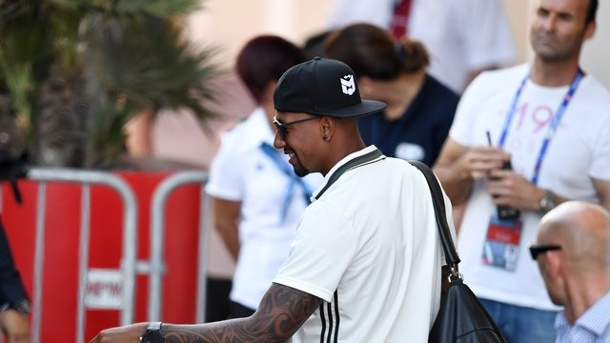 EM 2016: #Neighbor Snoop Dogg postet Boateng-Trikot. Jérôme Boateng ist bekennender Hip-Hop-Fan.