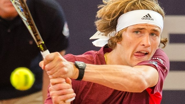 Tennis: Zverev erreicht Halbfinale bei Turnier in Washington. Alexander Zverev spielt in Washington ein starkes Turnier.