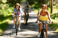 Fahrradfahren mit 16 km/h gilt als moderater Sport (Quelle: Thinkstock by Getty-Images)