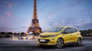 Opel Ampera-e: Premiere in Paris.