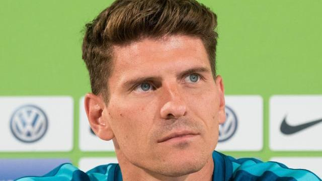 startelf garantie f r mario gomez im heimspiel gegen k ln. Black Bedroom Furniture Sets. Home Design Ideas