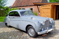 Der Jaguar MK9 ist mit seinen fast fünf Metern Länge ein echter Hingucker – doch den Sound im Inneren wollte niemand hören. Peter Wallich löste den Fall.  (Quelle: Peter Wallich, www.youngtimerradio.de)