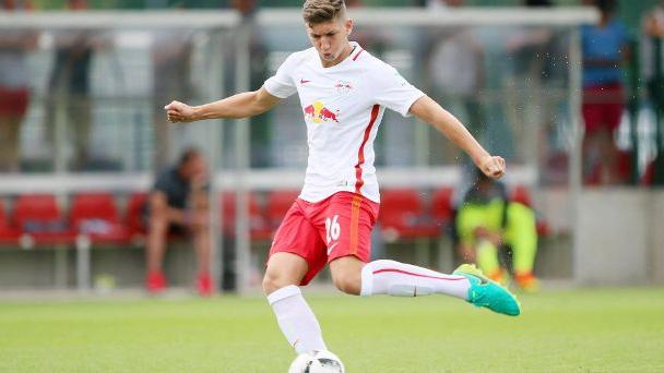 RB Leipzig verbannt U19-Nationalspieler Janelt  und Toure aus Akademie.  (Quelle: imago/Picture Point LE)