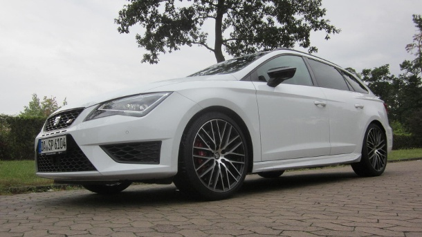 seat leon st cupra 290 schneller kombi mit fast 300 ps im test. Black Bedroom Furniture Sets. Home Design Ideas