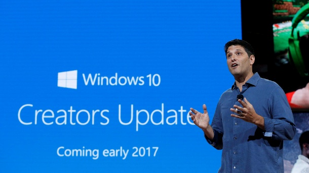 Windows 10: Neuerungen und Release Date vom Creators Update. Windows-Chef Terry Myerson bei der Vorstellung des nächsten großen Updates für Windows 10 in New York. (Quelle: Reuters)