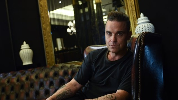 """The Heavy Entertainment Show"": Robbie Williams will wieder Hits. Robbie Williams ganz relaxt in Berlin."