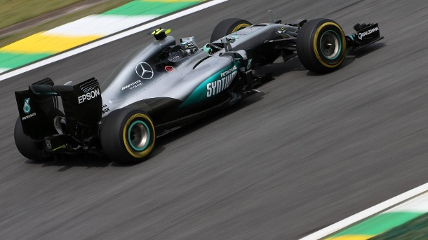 Formel 1 Brasilien: Rosberg groovt sich eins fürs Qualifying. Nico Rosberg in seinem Mercedes. (Quelle: imago/Crash Media Group)