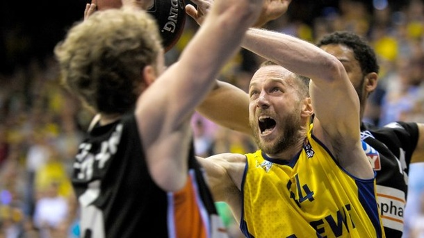 Basketball: Oldenburg gewinnt Champions-League-Krimi in der Türkei. Oldenburgs Vaughn Duggins holte 16 Zähler für Oldenburg.