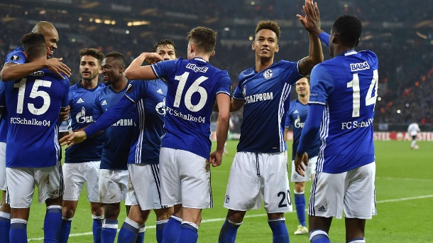 Europa League: Schalke 04 gelingt deutscher Rekord. Schalker Jubel nach dem Rekordsieg in der Europa League. (Quelle: imago/Team 2)