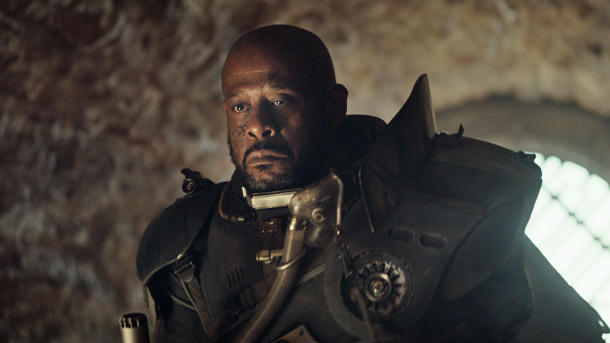 Forest Whitaker ist Saw Gerrera. (Quelle: 2016 Lucasfilm Ltd. All Rights Reserved)