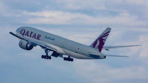 Qatar Airways absolviert längsten Nonstop-Linienflug. Boeing 777 der Qatar Airways. (Quelle: imago/Rüdiger Wölk)