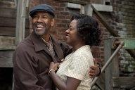 "Denzel Washington und Viola Davis als Troy und Rose Maxson im Filmdrama ""Fences"". Regie: Denzel Washington. (Quelle: imago/ZUMA Press)"